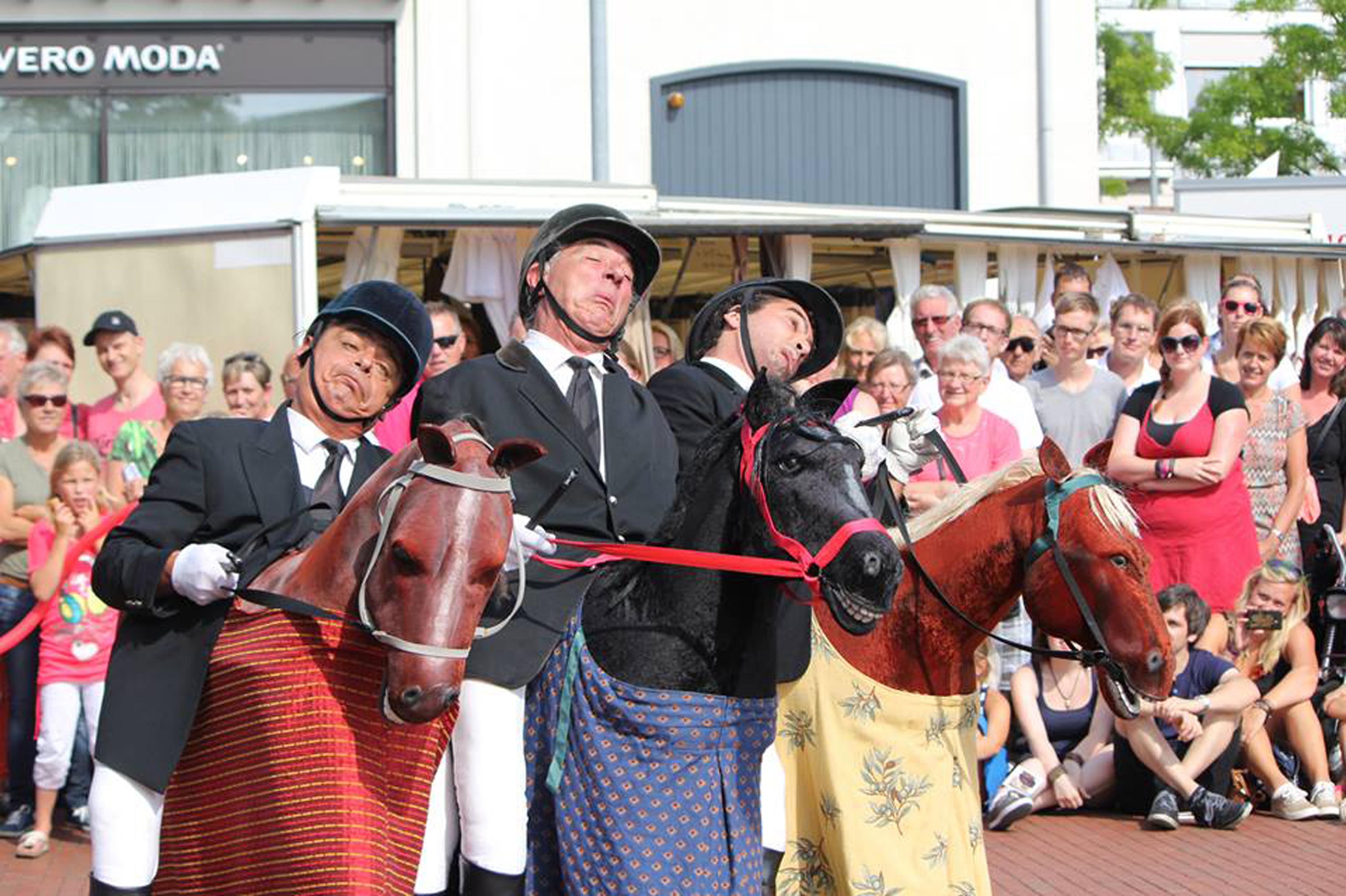 Spectacle The Horsemen
