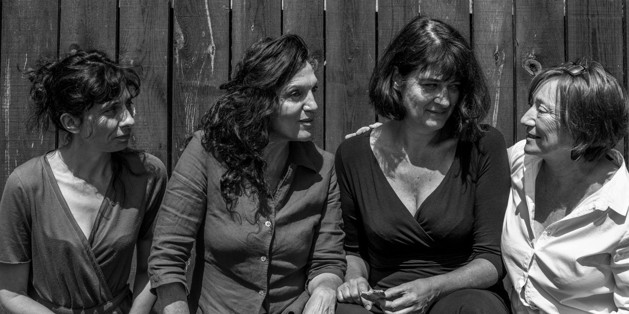 4-femmes-theatre